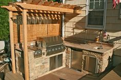 Backyard Bbq Area Ideas Built Ins Ideas Small Outdoor Kitchens, Outdoor Kitchen Cabinets, Build Outdoor Kitchen, Backyard Kitchen, Kitchen Units, Outdoor Kitchen Design, Small Patio, Outdoor Cooking, Backyard Patio