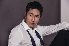 Kim Joo Hyuk passed away after an automobile accident. Spokesperson from Kunkuk University Medical Center named myocadial infarction (heart attack) as the cause that led to the auto accident. Kim Joo Hyuk, So Ji Sub, Hyun Bin, Actor Model, Korean Actors, Kdrama, Police, Medical Center, Heart Attack