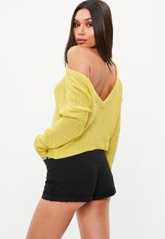 Missguided Yellow Plunge V Back Sweater Pullover Mode, Crop Dress, Off Shoulder Sweater, Crochet Crop Top, Patchwork Dress, Mini Dress With Sleeves, Knitted Poncho, Sweater Fashion, Knitwear