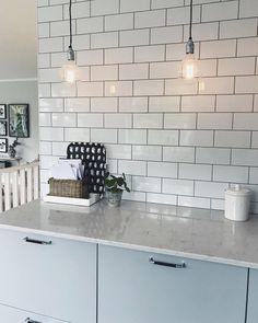 Kitchen Inspirations, Interior Design Plants, Room Interior, Kitchen Decor, Living Room Decor, Living Room Interior, Trending Decor, Interior Design, Kitchen Shelves