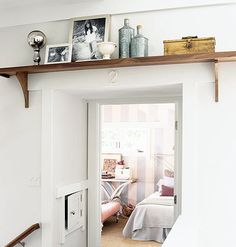 thisoldapt:  But did you think about putting a shelf there? Yeah you can do that. What a snazzy/utilitarian way to display some of your favorite stuff. (P.S. I cant be the only person that constantly knocks over picture frames right? Right.) -EL  http://ift.tt/1WmALqu
