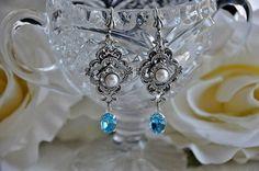 Vintage Style Dangle Earrings,Swarovski Crystal Green,Antique Silver