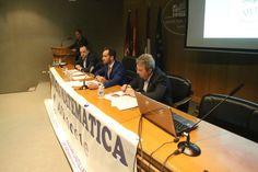 Un momento de la intervención de David Marcante (centro), durante la entrega de premios. Arturo Pérez