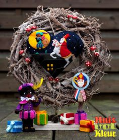 huisvolkleur: Sinterklaas krans Old Fashion Christmas Tree, Christmas Tree Wreath, Retro Christmas, Christmas Snowman, Christmas Tree Decorations, Christmas Diy, Primitive Crafts, Primitive Christmas, Country Christmas