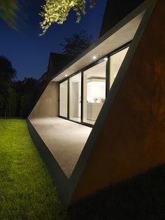 Classic Amsterdam SH House Gets a Contemporary Makeover in Glass/BaksvanWengerden Architecten