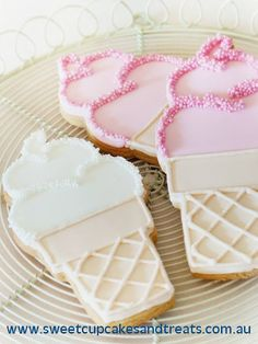 Ice Cream Cookies~ These are just perfect! By Sweet cupcakes and treats, pink, white, # Ice Cream Cookies, Iced Cookies, Cute Cookies, Cookies Et Biscuits, Cupcake Cookies, Cookies Soft, Cookie Favors, Baby Cookies, Flower Cookies