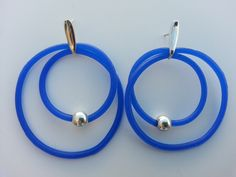 Earring made of sterling silver and recycled silicone