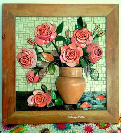 Roses by Solange Piffer Mosaic Birds, Mosaic Flowers, Mosaic Art, Mosaic Glass, Flower Vases, Flower Art, Glass Art, Art Flowers, Stained Glass