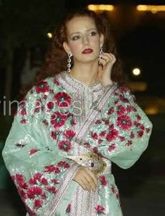 Voici les caftans porté par lala selma lors des soirées offciels . Princesse  lalla salma  l'epouse du roi Mohamed VI  en Caftan Marocain  ...