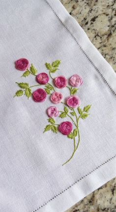 Embroidery Rose from Surface Embroidery Hand until Jdr Brazilian Embroidery Thread round Embroidery Hand Embroidery Patterns Flowers, Crewel Embroidery Kits, Hand Embroidery Videos, Embroidery Stitches Tutorial, Learn Embroidery, Rose Embroidery, Embroidery For Beginners, Hand Embroidery Designs, Embroidery Thread