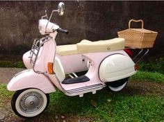 Baby pink Vespa with sidecar!