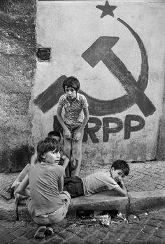 Portugal in the by Alfredo Cunha (via darksilenceinsuburbia) Great Photos, Old Photos, Vintage Photos, Black White Photos, Black And White Photography, Great Photographers, Documentary Photography, Photojournalism, Historical Photos