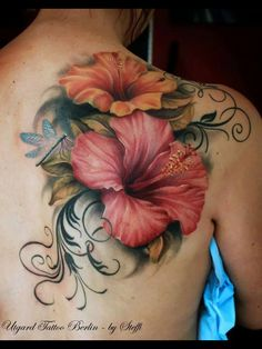 Hibiscus tattoos and hibiscus tattoo meanings-hibiscus tatto Cover Up Tattoos, Body Art Tattoos, Sleeve Tattoos, Tattoo Fonts, Flower Tattoo Back, Flower Tattoo Shoulder, Flower Tattoo Designs, Realistic Flower Tattoo, Tattoo Ink