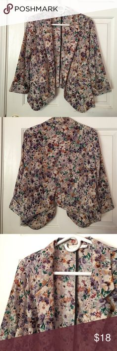 Floral blazer Perfect to put on with a simple outfit. Only worn a handful of times. Lush Jackets & Coats Blazers