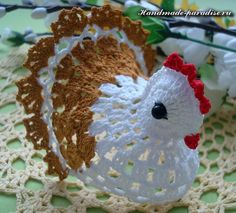 How to crochet chicken - Handmade-Paradise Crochet Pillow Patterns Free, Easter Crochet Patterns, Crochet Birds, Crochet Amigurumi Free Patterns, Crochet Doilies, Free Crochet, Crochet Christmas Ornaments, Holiday Crochet, Crochet Chicken