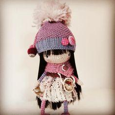 "172 Gostos, 16 Comentários - Clo (@woolbyme) no Instagram: ""Ready for her new home ❤️ #crochet #crochettoy #crocheters #cottondolls #dolls #dollstagram…"""