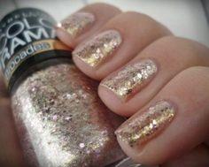 Maybelline Colorama Brocades 220 nails goldnails glitterpolish goldpolish - See more nail looks at Bellashoot.com