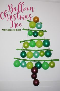 Stuck for space? This quirky alternative Christmas tree made from balloons may fit the bill. Alternative Christmas Tree, Simple Christmas, Christmas Bulbs, Christmas Crafts, Christmas Decorations, Christmas Centerpieces, Christmas Ideas, Fun Arts And Crafts, Crafts For Kids