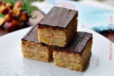 PRAJITURA CU MERE SI BISCUITI - Rețete Fel de Fel Sicilian Recipes, Greek Recipes, Merida, Biscuit Cake, Romanian Food, India Food, Yummy Cakes, Cake Recipes, Sweet Treats