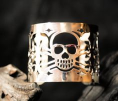 Skull Cuff! Idk but lately skull stuff is just so cool. Like, it really makes your outfit look edgy & I'm not even emo/punk/scene.
