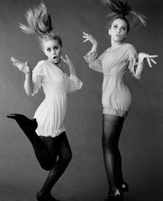 Love this!! Mary Kate and Ashley Olsen!!