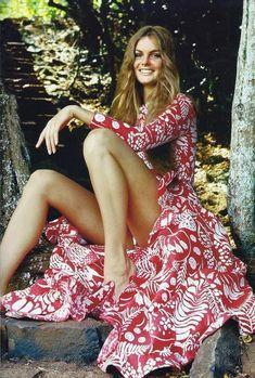 Jean Shrimpton wearing Oscar de la Renta, 1970s.