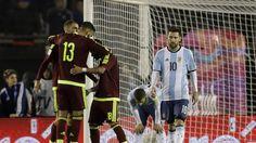 """Argentina empata e Messi sofre duras críticas:""""O melhor não pode ser apenas mais um"""" https://angorussia.com/desporto/argentina-empata-messi-sofre-duras-criticaso-melhor-nao-pode-apenas-um/"""