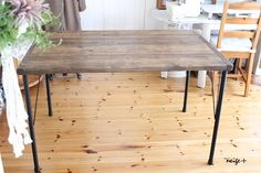 鉄脚と足場板で機能的アンティーク風テーブル♪|LIMIA (リミア)