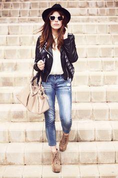 Hat: Vintage / Jacket: Zara / Blouse: Primark / Scarf: Dcolos / Jeans: Mango / Bag: Dcolos    / Shoes: Jeffrey Campbell / Sunglasses: H (image: dulceida)