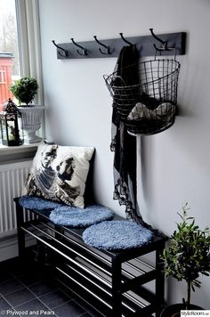 Fine An Inspiring Swedish Hall for you Fine An Inspiring Swedish Hall for you The post Fine An Inspiring Swedish Hall for you appeared first on Home. Hallway Inspiration, Interior Inspiration, Ikea Hall, Interior Exterior, Interior Design, Decoration Entree, Hallway Designs, Bench With Shoe Storage, Deco Design