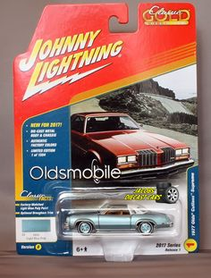 1:64 JOHNNY LIGHTNING CLASSIC GOLD 2017 1B - 1977 OLDS CUTLASS SUPREME #JohnnyLightning #Oldsmobile