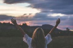 Ni la inteligencia, ni el dinero, ni la belleza. La cave del éxito es un coctel de autoestima, seguridad y validez. Una mujer capaz de conocerse y reconocerse tal cual es, se convierte en una muestra perfecta de autorrespeto y amor propio, loscuales influyen en el desarrollo profesional y personal de cada una. Ser segura …
