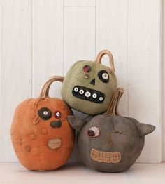 Goofy Pumpkins from Prims Autumn 2014 - Stampington Creepy Halloween, Halloween Signs, Holidays Halloween, Halloween Pumpkins, Halloween Crafts, Happy Halloween, Fall Crafts, Holiday Crafts, Holiday Fun