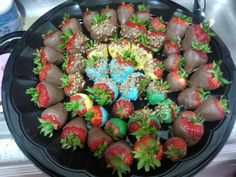Color chocolate covered strawberries