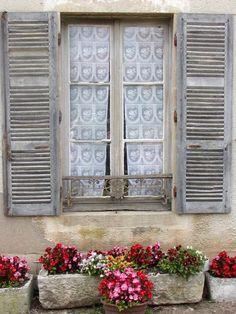 Window. www.sandiego-shutter.com