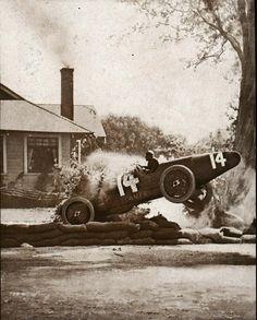 1919 santa monica road race,  roscoe Sarles  misses its virage
