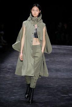 Neil Barrett Fall 2018 Menswear Fashion Show Collection