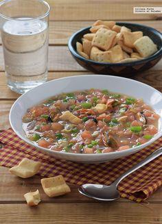 Te explicamos paso a paso, de manera sencilla, la elaboración de la receta de sopa picante de mejillones y berberechos. Ingredientes, tiempo de elaboración