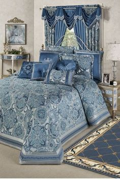Bring opulence and timeless luxury to your bedroom with the Arabelle Jacobean Damask Grande Bedspread. Oversized bedspread has woven Jacobean damask motifs. Bedroom Layouts, Bedroom Sets, Bedding Sets, Master Bedroom, Master Suite, Girl Bedding, Bedroom Black, Bedroom Green, Blush Bedroom