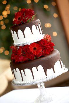 Stylish and appetizing wedding cake. Hummm chocolate!!