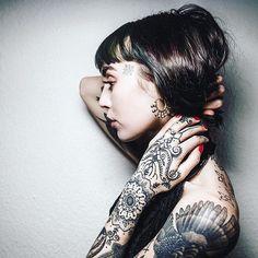 Tattooed model via @hannahpixiesykez