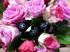 Vernis à ongle Chanel - 535 May - 533 April - 491 rose confidentiel - nail polish Chanel - bouquet de roses - fleurs - Chanel packaging - spring - printemps - éditions limités.