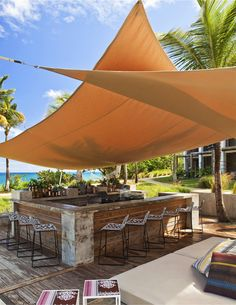 Gorgeous shade sail design at the W Retreat & Spa on Vieques Island, Puerto Rico. Photo Restaurant, Deco Restaurant, Outdoor Restaurant, Restaurant Design, Lakeside Restaurant, Lounge Bar, Beach Cafe, Pool Bar, Beach Shack
