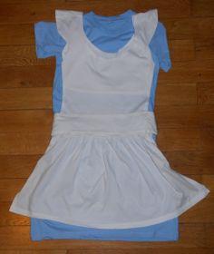 Easy Alice in Wonderland costume DIY using t-shirts