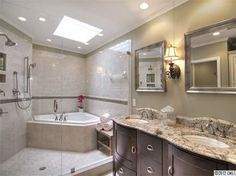 love this bathroom- perfect, just needs a bench alongside the tub for shaving the legs