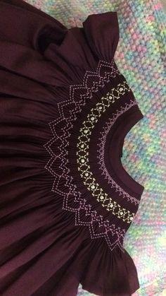 Nido de abejas Smocking Baby, Smocking Plates, Smocking Patterns, Skirt Patterns, Coat Patterns, Blouse Patterns, Sewing Patterns, Girls Smocked Dresses, Dresses Kids Girl