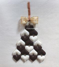 Albero di Natale a cuori  Decorazione natalizia con fiocco