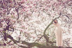 Magnolia  Make-up & Hairstyling: Antje Dahm - Maskenbild Design Modell: Anna Verkhorubova Couture/Design: Couture Katrin Eulenstein Fotograf: Isabel Noack , IN-Fotografie