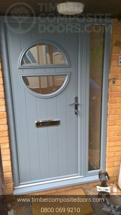 The Solidor Contemporary Pisa Timber Composite Door from Timber Composite Doors, with a huge range of designs & colours. Door Paint Colors, Exterior Paint Colors For House, Front Door Colors, Black Front Doors, Painted Front Doors, Composite Front Doors Uk, Cottage Front Doors, Pvc Windows, Exterior Doors