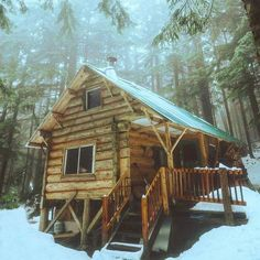 Tips And Ideas For DIY Pole Barn Are you looking for an easy, inexpensive way to add additional storage to your property? If so, a DIY Pole barn homes Small Log Cabin, Tiny Cabins, Little Cabin, Tiny House Cabin, Log Cabin Homes, Cabins And Cottages, Cozy Cabin, Log Cabins, Diy Pole Barn